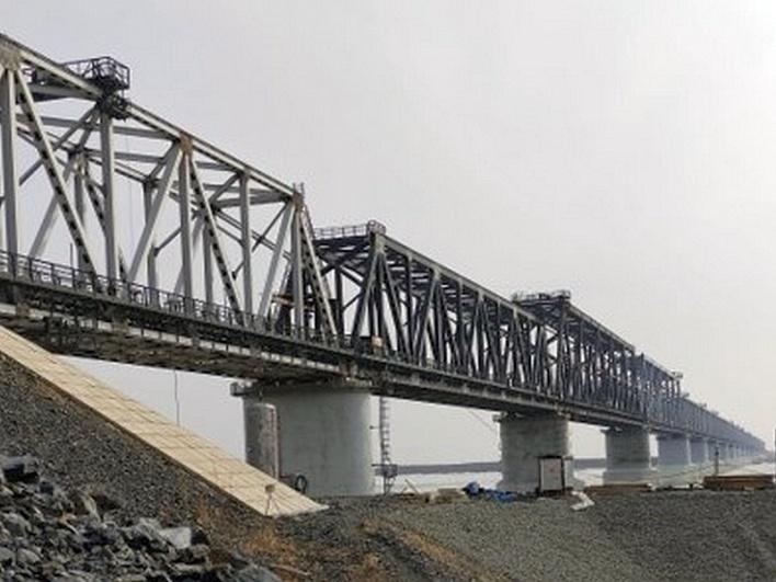 Первый ж/д мост между Россией и Китаем планируют открыть 1 августа
