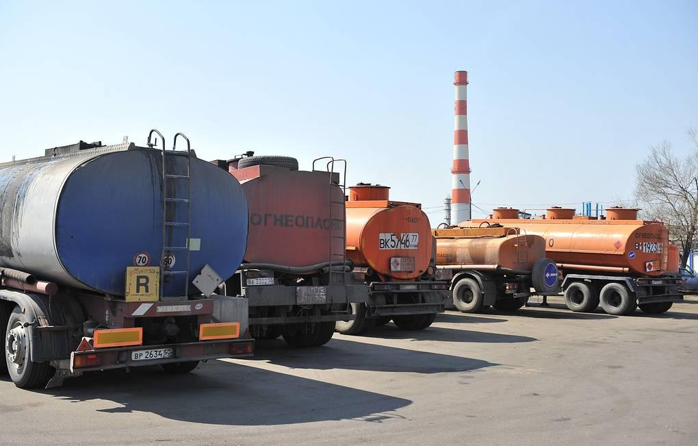 Безвывозная ситуация: экспорт бензина из РФ могут запретить в ближайшие дни